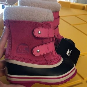 Sorel Pink Suede waterproof Snow Boots NWT